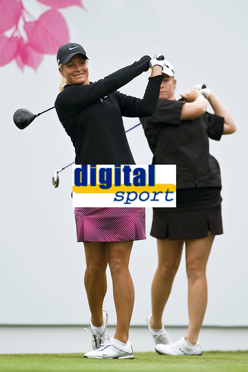 GOLF - EVIAN MASTERS 2010 - EVIAN MASTERS GOLF CLUB (FRA) - 23/07/2010 - PHOTO : PHILIPPE MILLEREAU / DPPI<br /> DAY 5 - SECOND ROUND - SUZANN PETTERSEN (NOR) AND BRITTANY LINCICOME (USA)
