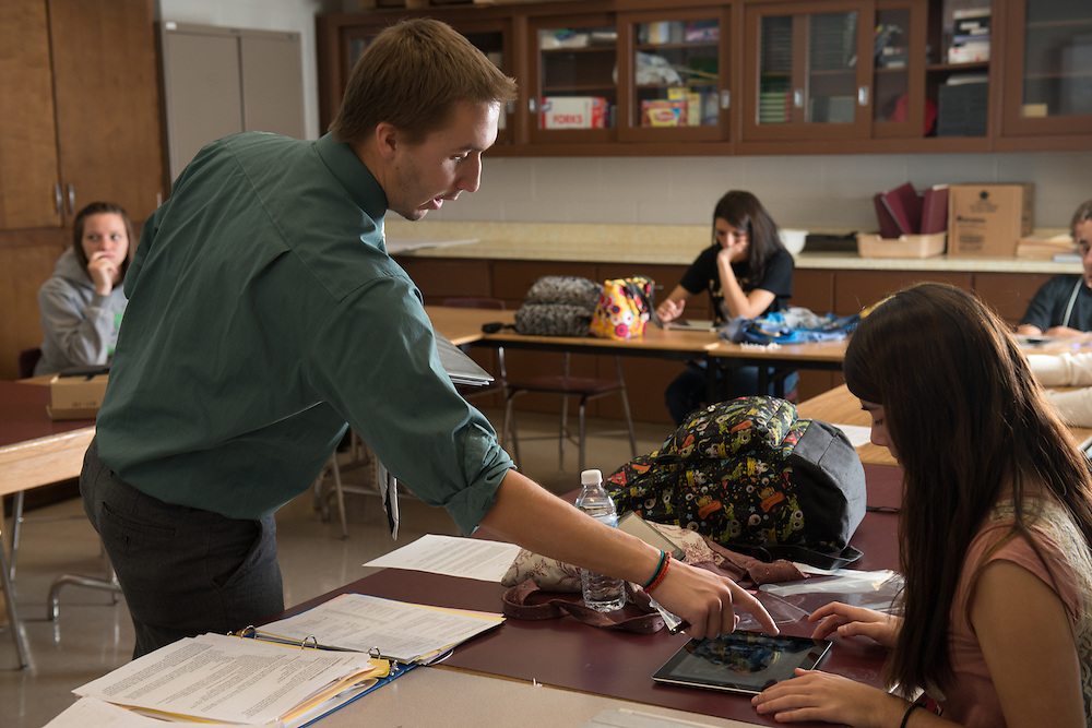 Dane Salabak teaches an Internship class at Federal Hocking High School.