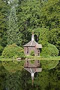 Teich, Kapelle, Eulbacher Park, Michelstadt, Odenwald, Naturpark Bergstraße-Odenwald, Hessen, Deutschland | pond, chapel, Eulbach Park, Michelstadt, Odenwald, Hesse, Germany