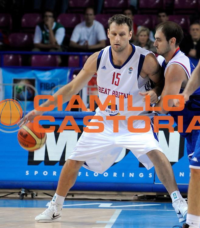DESCRIZIONE : Warsaw Poland Polonia Eurobasket Men 2009 Preliminary Round Great Britain Gran Bretagna Serbia Serbia <br /> GIOCATORE : Andrew Betts<br /> SQUADRA : Great Britain Gran Bretagna<br /> EVENTO : Eurobasket Men 2009<br /> GARA : Great Britain Gran Bretagna Serbia Serbia<br /> DATA : 09/09/2009 <br /> CATEGORIA : Drible - Palleggio<br /> SPORT : Pallacanestro <br /> AUTORE : Agenzia Ciamillo-Castoria/N.Parausic<br /> Galleria : Eurobasket Men 2009 <br /> Fotonotizia : Warsaw Poland Polonia Eurobasket Men 2009 Preliminary Round Great Britain Gran Bretagna Serbia Serbia<br /> Predefinita :