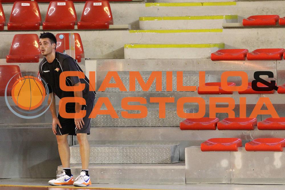 DESCRIZIONE : Roma Lega Basket A 2012-13  Raduno Virtus Roma<br /> GIOCATORE : Lorenzo D'Ercole<br /> CATEGORIA : curiosita<br /> SQUADRA : Virtus Roma <br /> EVENTO : Campionato Lega A 2012-2013 <br /> GARA :  Raduno Virtus Roma<br /> DATA : 23/08/2012<br /> SPORT : Pallacanestro  <br /> AUTORE : Agenzia Ciamillo-Castoria/M.Simoni<br /> Galleria : Lega Basket A 2012-2013  <br /> Fotonotizia : Roma Lega Basket A 2012-13  Raduno Virtus Roma<br /> Predefinita :