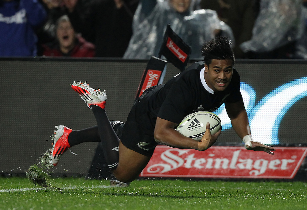 New Zealand's Julian Savea dives over the line to have his try disallowed whilst playing England  in an International Rugby Test match, Waikato Stadium, Hamilton, New Zealand, Saturday, June 21, 2014.  Credit:SNPA / David Rowland