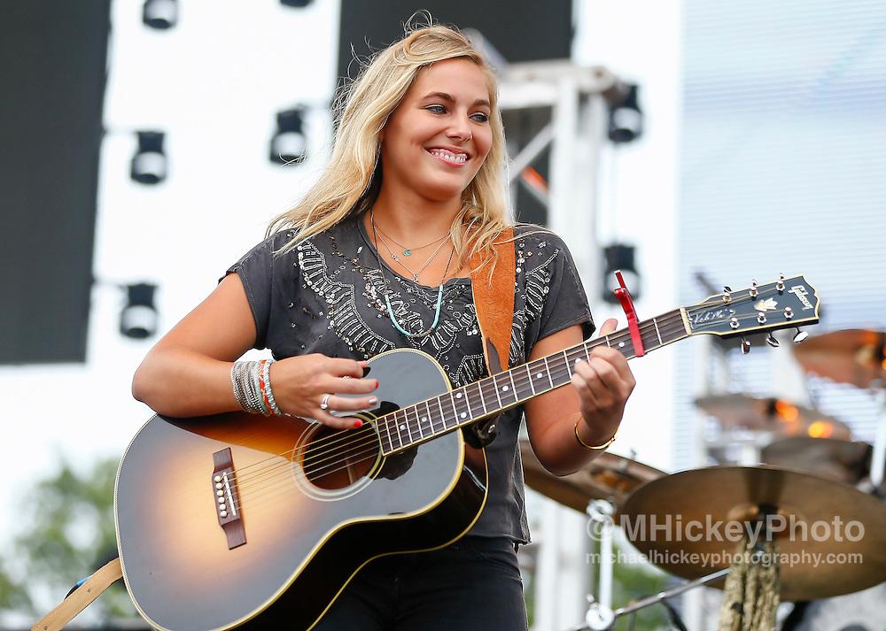 Lauren Jenkins in concert Brickyard 400 - Indianapolis, In
