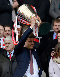 Bristol City's Matt Smith lifts the JPT trophy  - Photo mandatory by-line: Joe Meredith/JMP - Mobile: 07966 386802 - 22/03/2015 - SPORT - Football - London - Wembley Stadium - Bristol City v Walsall - Johnstone Paint Trophy Final