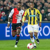 ROTTERDAM - Feyenoord - Vitesse , Voetbal , Eredivisie , Seizoen 2016/2017 , De Kuip , 16-12-2016 , Vitesse speler Kelvin Leerdam (r) in duel met Feyenoord speler Eljero Elia (l)