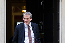 © Licensed to London News Pictures. 06/03/2018. London, UK. Education Secretary Damian Hinds leaves 10 Downing Street with an 'A' badge, for apprenticeships, after the weekly Cabinet meeting. Photo credit: Rob Pinney/LNP