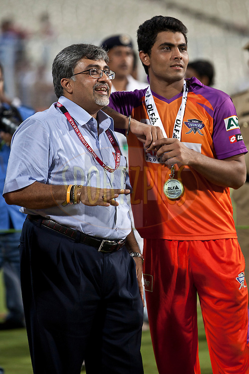 Man of the Match ok KTK with co-owner of the team during match 22 of the Indian Premier League ( IPL ) between the Kolkata Knight Riders and the Kochi Tuskers Kerala held at Eden GardensCricket Stadium in Kolkata, India on the 20th April 2011..Photo by Saikat Das/BCCI/SPORTZPICS