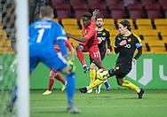 Ibrahim Sadiq (FC Nordsjælland) får afleveret foran Erik Marxen (Randers FC) under kampen i 3F Superligaen mellem FC Nordsjælland og Randers FC den 22. november 2019 i Right to Dream Park (Foto: Claus Birch).