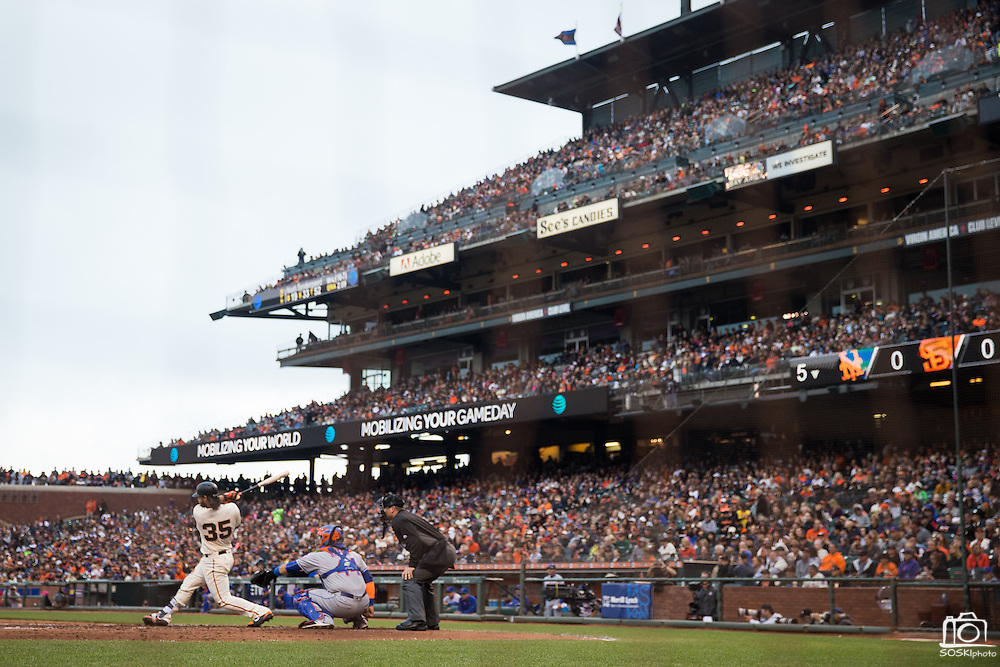 San Francisco Giants shortstop Brandon Crawford (35) swings at a pitch against the New York Mets at AT&T Park in San Francisco, Calif., on August 21, 2016. (Stan Olszewski/Special to S.F. Examiner)