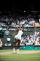 LONDON, ENGLAND - Thursday, July 7, 2016:  Serena Williams (USA) during the Ladies' Singles - Semi-finals match on day eleven of the Wimbledon Lawn Tennis Championships at the All England Lawn Tennis and Croquet Club. (Pic by Kirsten Holst/Propaganda)