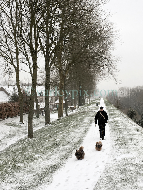09 February 2018. Montreuil Sur Mer, Pas de Calais, Hauts de France.<br /> The snow arrived early in the morning making for some wintry scenes in the ancient citadel town of Montreuil Sur Mer. <br /> Photo&copy;; Charlie Varley/varleypix.com