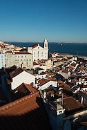 Portugal. Lisbon. Elevated view on Alfama district / le quartier de l'alfama vu d'en haut . Lisbonne