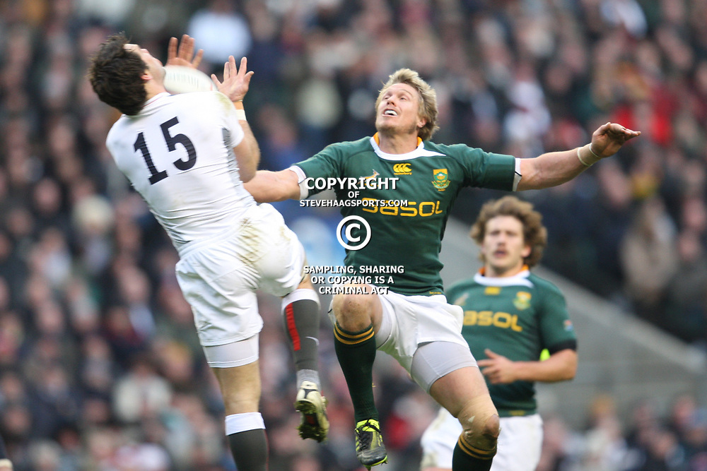 LONDON, ENGLAND - NOVEMBER 27,Ben Foden wins the high ball from Jean de Villiers  during the End of Year tour match between England and South Africa at Twickenham Stadium on November 27, 2010 in London, England<br /> Photo by Steve Haag / Gallo Images