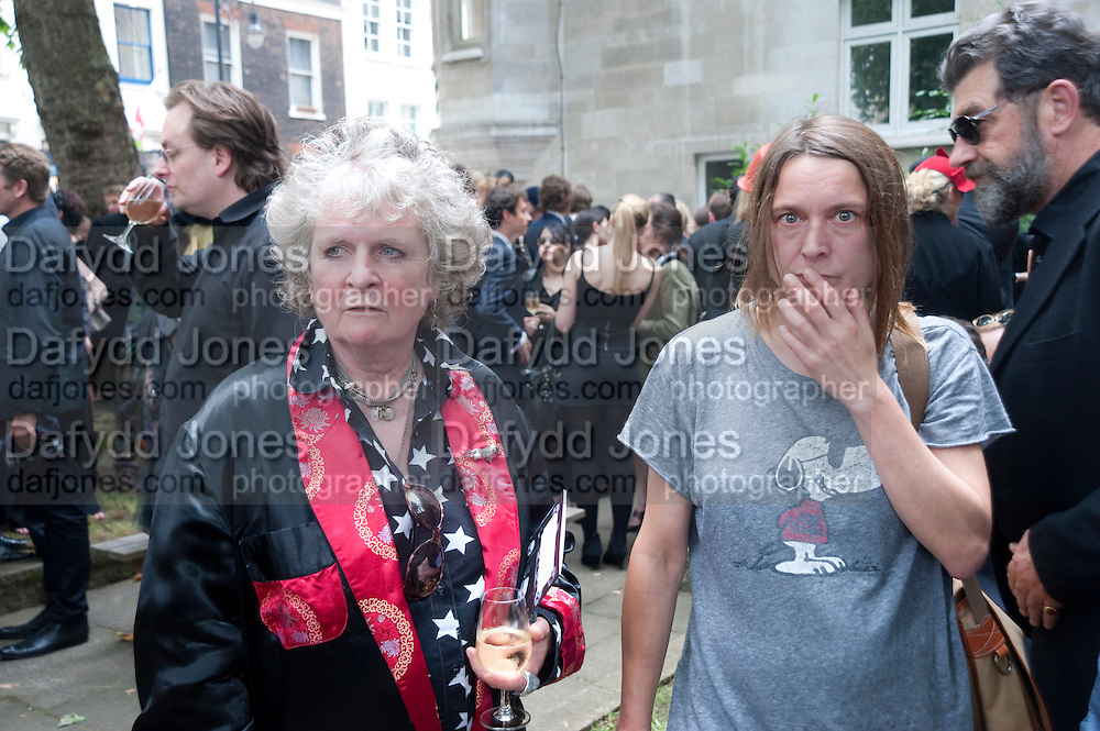 MAGGI HAMBLING; SARA LUCAS, Sebastian Horsley funeral. St. James's church. St. James. London afterwards in the church garden. July 1 2010. -DO NOT ARCHIVE-© Copyright Photograph by Dafydd Jones. 248 Clapham Rd. London SW9 0PZ. Tel 0207 820 0771. www.dafjones.com.