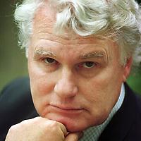 Nederland. Amsterdam. 17 september 2002..Adriaan van Dis. Schrijver..Writer and journalist Adriaan van Dis.