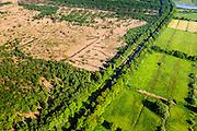 Nederland, Brabant, Gemeente Deurne, 27-05-2013; Kanaal van Deurne, tussen Neerkant en Helenaveen (ten oosten van Neerkant). Links gebied Het Zinkske, restant van het veen van de Peel. Rechts natuurgebied 't Molentje was landbouwgebied, ontgonnen hei en vee (Peelontginning). <br /> Remainders of (reclaimed) peatland and bog, know as the Peel.<br /> luchtfoto (toeslag op standard tarieven)<br /> aerial photo (additional fee required)<br /> copyright foto/photo Siebe Swart