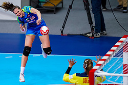 02-12-2019 JAP: Slovenia - Norway, Kumamoto<br /> Second day 24th IHF Womenís Handball World Championship, Slovenia lost the second match against Norway with 20 - 36. / Ana Gros #6 of Slovenia, Silje Margaretha Solberg #12 of Norway