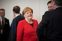 DEU, Deutschland, Germany, Berlin, 02.04.2019: Bundeskanzlerin Dr. Angela Merkel (CDU) vor Beginn der Fraktionssitzung der CDU/CSU.