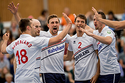 12-05-2017 NED: Nederland - Tsjechië, Amstelveen<br /> De Nederlandse volleybal mannen spelen hun eerste oefeninterland in de Emergohal in Amstelveen tegen Tsjechië. Deze wedstrijd staat in het teken van de verplaatsing van het Bankrasmomument. Nederland speelde daarom in speciale oude Nederlandse shirts uit 1992 / Robin Overbeeke #11, Wessel Keemink #2