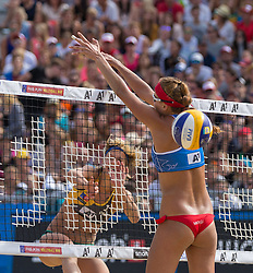 01.08.2015, Strandbad, Klagenfurt, AUT, A1 Beachvolleyball EM 2015, Semifinale Damen, im Bild links hinten Laura Ludwig 1 GER, rechts vorne Dominika Nestarcova 1- SVK // during Semifinal Woman of the A1 Beachvolleyball European Championship at the Strandbad Klagenfurt, Austria on 2015/87/01. EXPA Pictures © 2015, EXPA Pictures © 2015, PhotoCredit: EXPA/ Mag. Gert Steinthaler