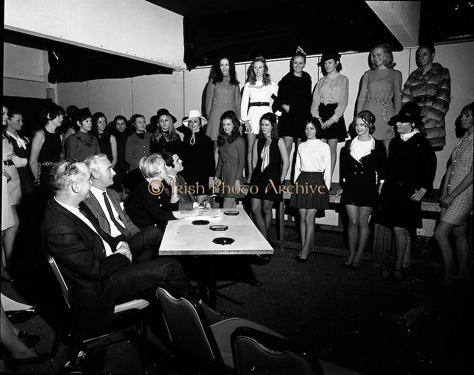 07/01/1969.01/07/1969.07 January 1969.Selecting models for 6th Irish Export Fashion Fair..A group of models being auditioned for the fashion parades at the Sixth Irish Export Fashion Fair which was held in Dublin from 24th to 28th March 1969. Over 150 models from 9 Mannequin Agencies were interviewed by members of the Fashion Fair Exhibitors' Liaison Committee and G.C. Promotions, the firm appointed to organise, co-ordinate and direct the parades.