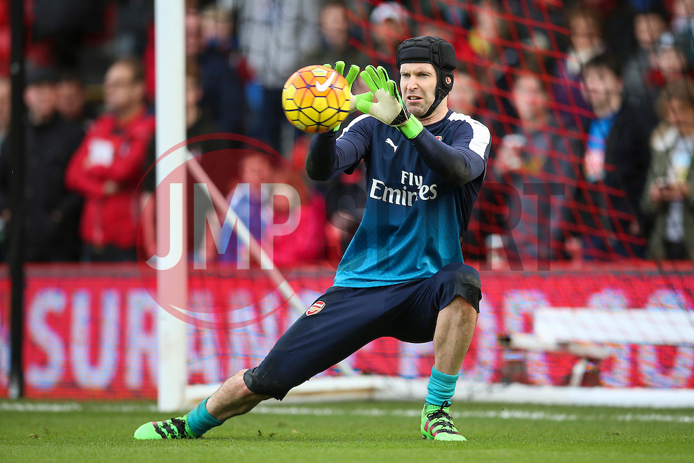 Petr Cech of Arsenal warms up - Mandatory by-line: Jason Brown/JMP - Mobile 07966 386802 07/02/2016 - SPORT - FOOTBALL - Bournemouth, Vitality Stadium - AFC Bournemouth v Arsenal - Barclays Premier League