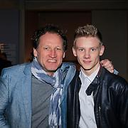 NLD/Haarlem/20130219 - Premiere Kramer vs. Kramer, Steven de Jong en oudste zoon
