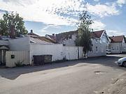 Det Marokkanske Trossamfunnet i Østfold. Huths gate 11, 1608 Fredrikstad. Ikke så prangende fasade. Ingenting sier noe om virksomheten utenfra. Virksomheten også registrert som religiøs organisasjon, i 2014, under navnet: Rif Foreningen i Østfold. Noureddine El Jadarti oppgitt som kontaktperson.