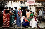 Nepal Nødhjælpsuddeling af Nepal Red Cross for WFP.