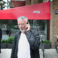 Nederland, Amsterdam , 8 juni 2010..AT5-cameraman Frank Buis naast de nieuwe komende generatie cameramannen en fotografen..Foto:Jean-Pierre Jans