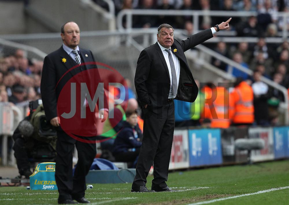 Sunderland Manager Sam Allardyce points while Newcastle United Manager Rafa Benitez watches play - Mandatory byline: Robbie Stephenson/JMP - 20/03/2016 - FOOTBALL - ST James Park - Newcastle, England - Newcastle United v Sunderland - Barclays Premier League