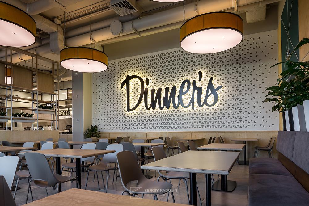 Интерьерная фотосъемка сети кафе-закусочных Dinners в г. Киеве.