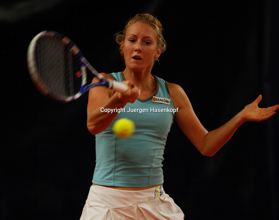 ITF Bueschl  Open 2010, ITF Women's Circuits Damen Hallen Tennis Turnier in Ismaning, Urszula Radwanska (POL)),action