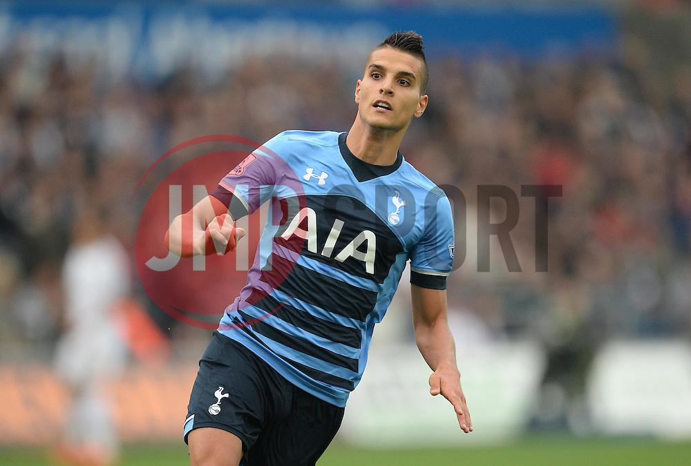Erik Lamela of Tottenham Hotspur - Mandatory byline: Alex James/JMP - 07966 386802 - 04/10/2015 - FOOTBALL - Liberty stadium - Swansea, England - Swansea City  v Tottenham hotspur - Barclays Premier League