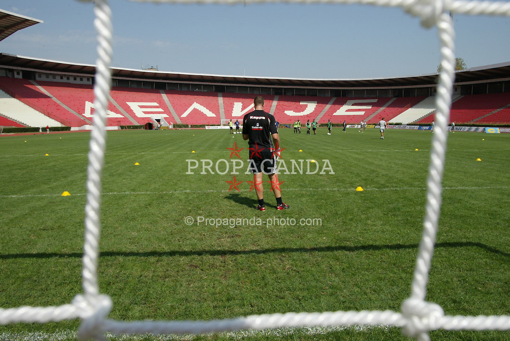 BELGRADE, SERBIA & MONTENEGRO - Tuesday, August 19, 2003: Wales' goalkeeper Paul Jones training at the Red Star Stadium ahead of his side's UEFA European Championship Group 9 qualifying match against Serbia & Montenegro. (Photo by David Rawcliffe/Propaganda)
