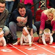 AMSTERDAM, 19-02-2014 - Moeders met hun babys voorafgaand aan de start van de luierrace op de jaarlijkse Negenmaandenbeurs. Vijf dagen lang is er in de Rai alles te vinden op het gebied van zwangerschap en geboorte.