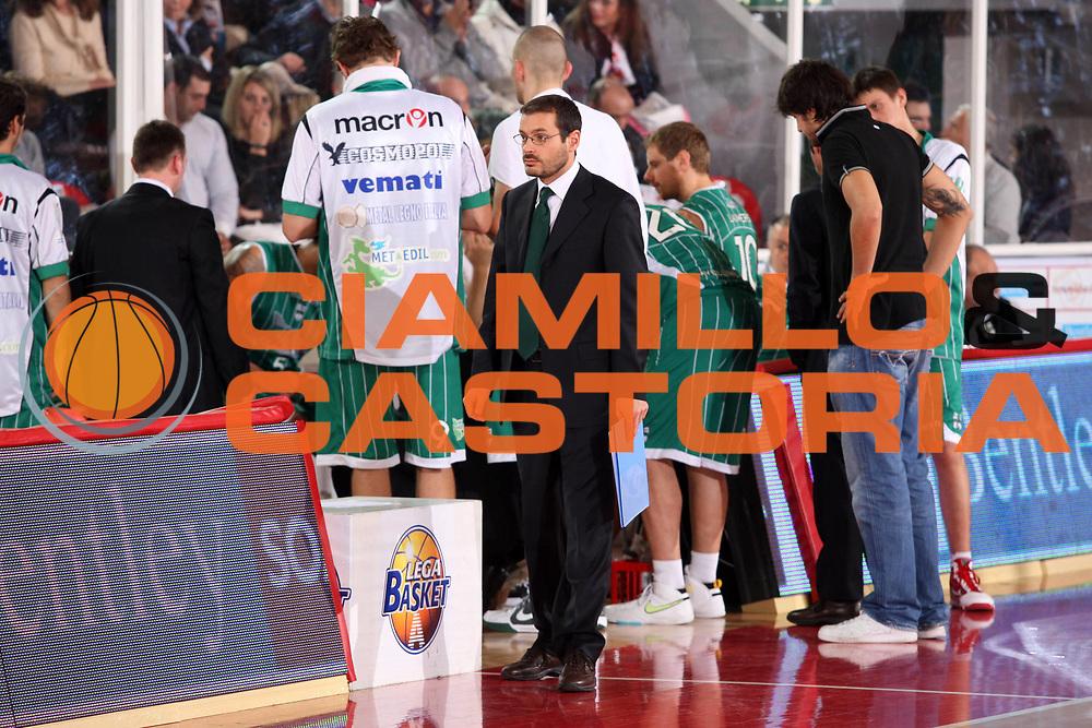 DESCRIZIONE : Teramo Lega A 2009-10 Banca Tercas Teramo Air Avellino<br /> GIOCATORE : Gaetano De Paola<br /> SQUADRA : Air Avellino<br /> EVENTO : Campionato Lega A 2009-2010<br /> GARA : Banca Tercas Teramo Air Avellino<br /> DATA : 06/12/2009<br /> CATEGORIA : Time Out<br /> SPORT : Pallacanestro<br /> AUTORE : Agenzia Ciamillo-Castoria/G.Ciamillo<br /> Galleria : Lega Basket A 2009-2010 <br /> Fotonotizia : Teramo Campionato Italiano Lega A 2009-2010 Banca Tercas Teramo Air Avellino<br /> Predefinita :