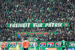 06.11.2016, Allianz Stadion, Wien, AUT, 1. FBL, SK Rapid Wien vs RZ Pellets WAC, 14 Runde, im Bild Fans von Rapid mit einem Plakat // during Austrian Football Bundesliga Match, 14 th Round, between SK Rapid Vienna and RZ Pellets WAC at the Allianz Stadion, Vienna, Austria on 2016/11/06. EXPA Pictures © 2016, PhotoCredit: EXPA/ Sebastian Pucher