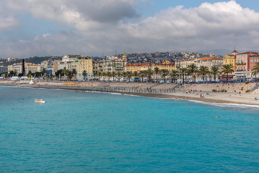 Vue sur Nice depuis le quartier de la colline du château // View of Nice from Colline du château area