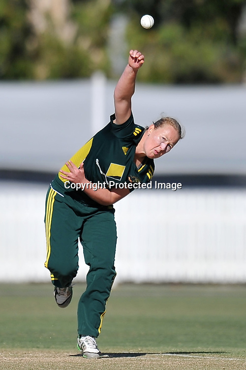 Clea Smith bowling for the Southern Stars during action in Game 6 (ODI) of the Rose Bowl Trophy Cricket played between Australia and New Zealand at Alan Border Field in Brisbane (Australia) ~ Monday 14May 2011 ~ Photo : Steven Hight (AURA Images) / Photosport