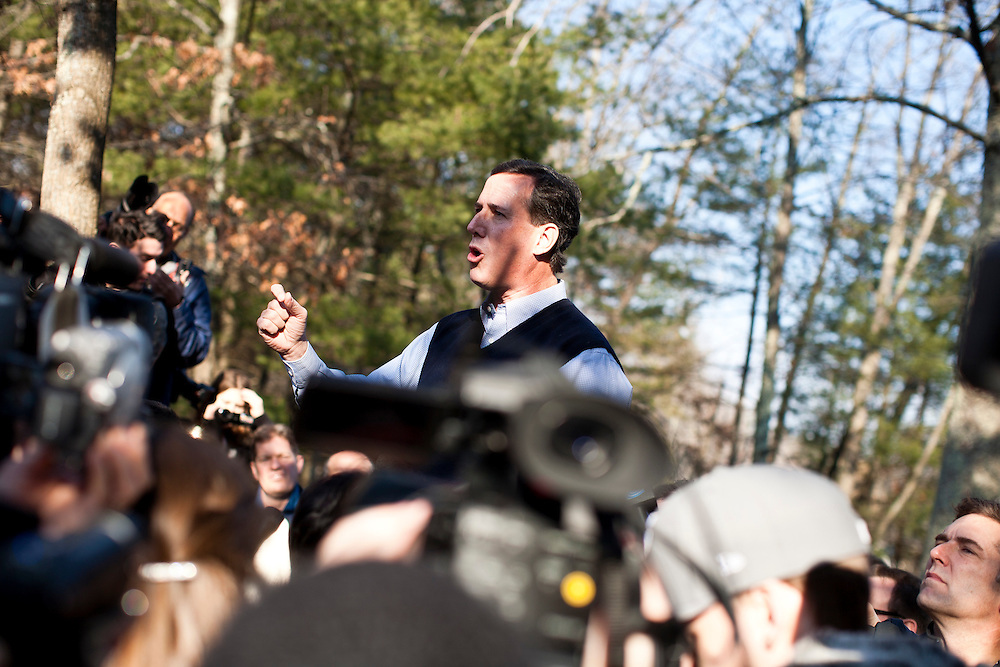Republican presidential candidate Rick Santorum hosts a meet and greet at Homestead Grocery and Deli on Saturday, January 7, 2012 in Amherst, NH. Brendan Hoffman for the New York Times