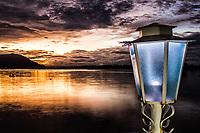 Ribeirão da Ilha ao anoitecer. Florianópolis, Santa Catarina, Brasil. / Ribeirao da Ilha at dusk. Florianopolis, Santa Catarina, Brazil.