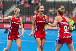 Anna Toman and Susannah Townsend of Great Britain Women share a joke before the 2019 Women's FIH Pro League match at Lee Valley Hockey Centre, Stratford<br /> Picture by Simon Parker/Focus Images Ltd <br /> 18/05/2019