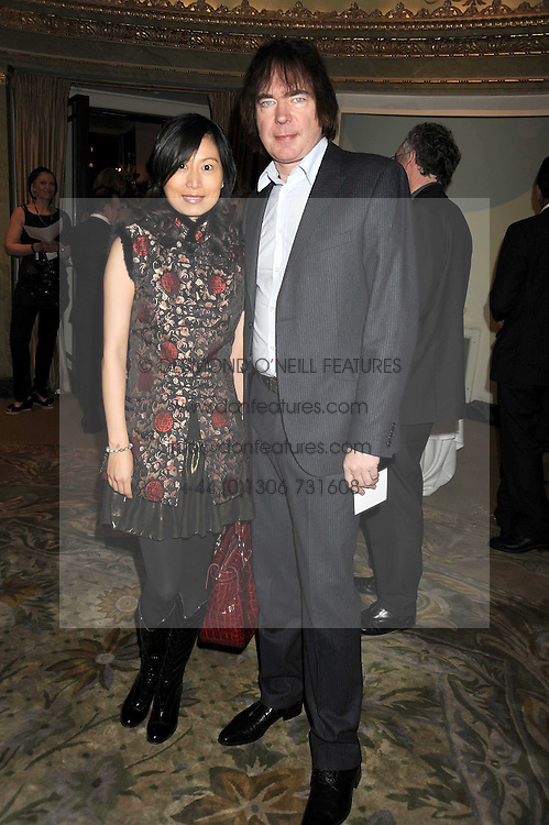 JIAXIN CHENG and JULIAN LLOYD WEBBER at the 2009 South Bank Show Awards held at The Dorchester, Park Lane, London on 20th January 2009.