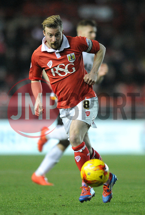 Bristol City's Wade Elliott - Photo mandatory by-line: Dougie Allward/JMP - Mobile: 07966 386802 - 10/02/2015 - SPORT - Football - Bristol - Ashton Gate - Bristol City v Port Vale - Sky Bet League One