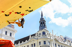 31.07.2015, Mariahilfer Straße, Wien, AUT, ISFC, Free Solo Masters MAHÜ, Vorqualifikation, im Bild Daniel Wagner // during the prequalification of the ISFC Free Solo Masters MAHÜ at the Mariahilfer Straße in Vienna, Austria on 2015/07/31. EXPA Pictures © 2015, PhotoCredit: EXPA/ Sebastian Pucher