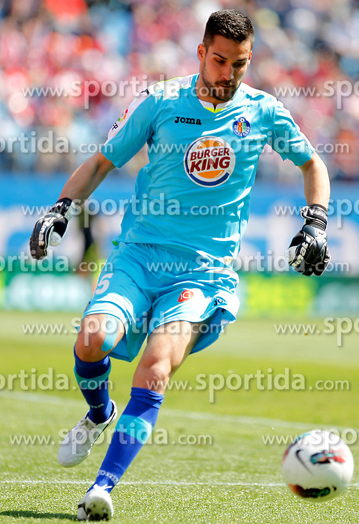 Getafe's Miguel Angel Moya // during the football match of spanish 'primera divison' league, 31th round, between Atletico Madrid and FC Getafe at Vicente Calderon stadium, Madrid, Spain on 2012/04/01. EXPA Pictures © 2012, PhotoCredit: EXPA/ Alterphotos/ Acero..***** ATTENTION - OUT OF ESP and SUI *****