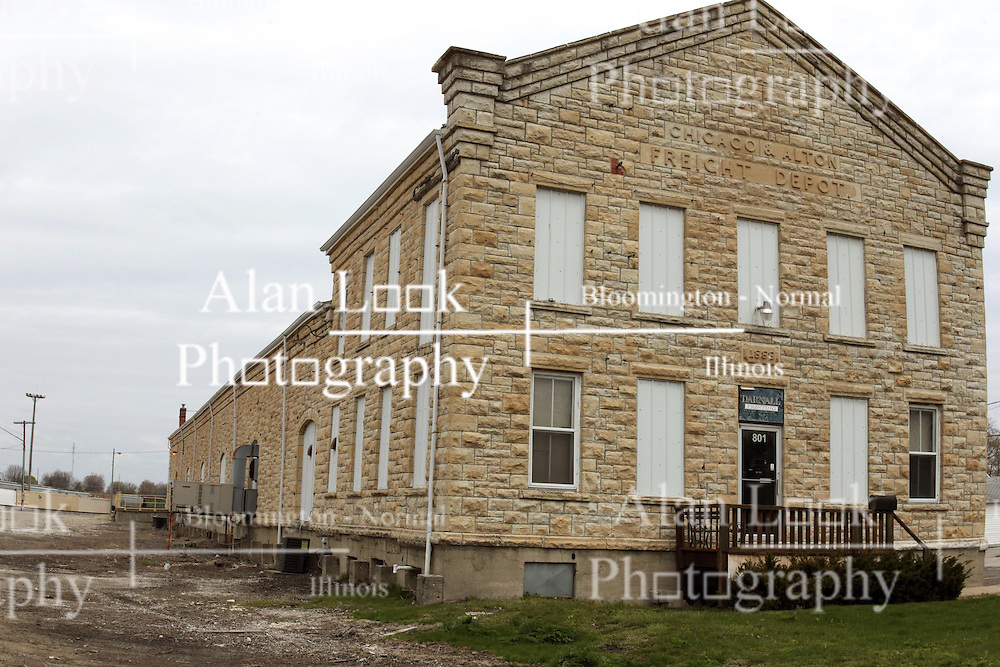 27 April 2013:   Buildings and Structures in Bloomington Il - Chicago Alton Freight Depot, built in 1888 on west Chestnut St and N. Allin St...