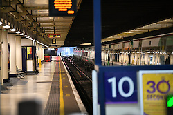 © Licensed to London News Pictures. 14/12/2016. London, UK.  Emory platforms where a Southern Rail service would normally be running at 8.15am at  Victoria Station in London on 14 December 2016, as hundreds of thousands of rail passengers face a second day of a 3 day all-out strike in an escalating dispute over the role of conductors between Southern Rail and the RMT Union. Photo credit: Ben Cawthra/LNP