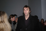 Will Self. Chemical Life Support opening, White Cube. 3 March 2005. ONE TIME USE ONLY - DO NOT ARCHIVE  © Copyright Photograph by Dafydd Jones 66 Stockwell Park Rd. London SW9 0DA Tel 020 7733 0108 www.dafjones.com